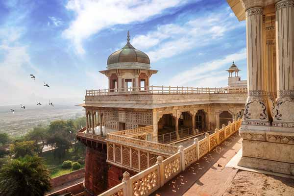 PRIVATE TAJ MAHAL + AGRA FORT TOUR by Car from Agra