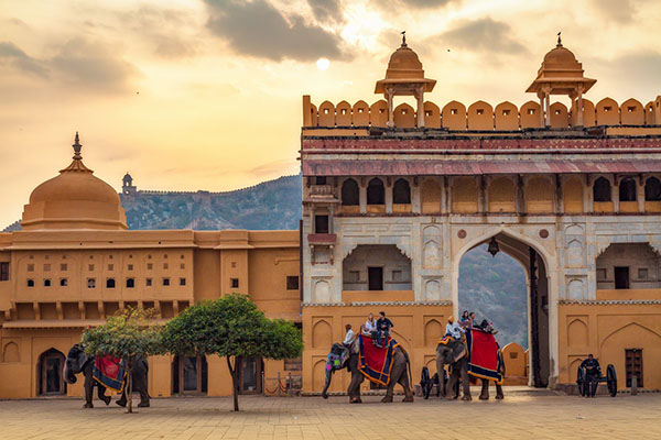 JAIPUR TOUR by EXPRESS TRAIN from DELHI